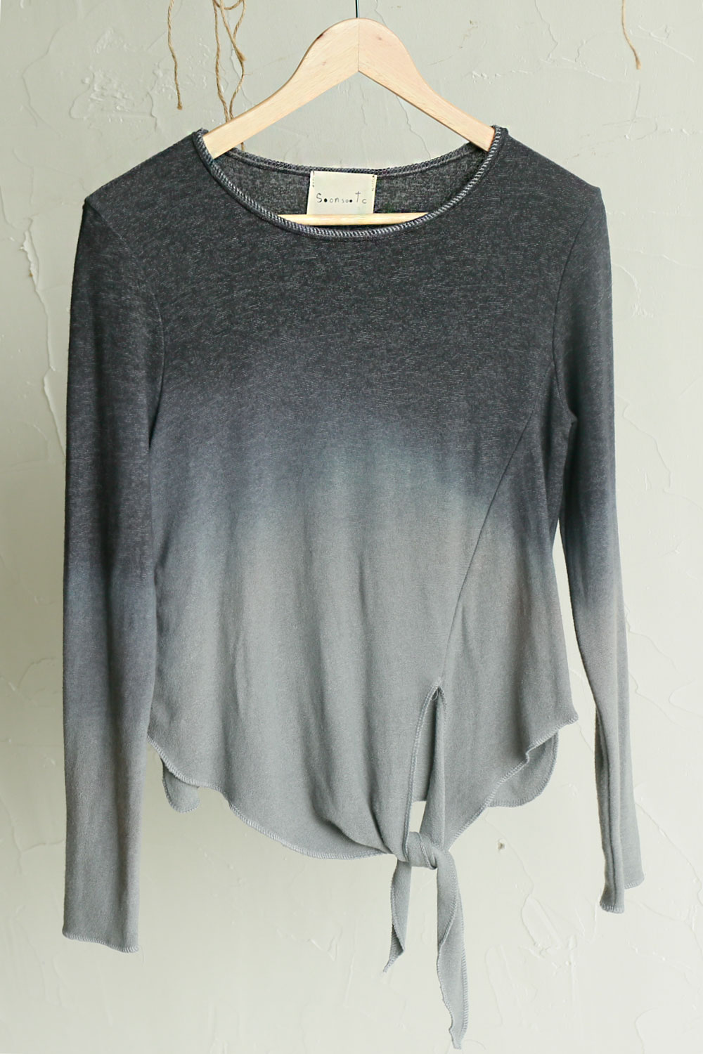 natural dyeing gradient knit T (Grey)